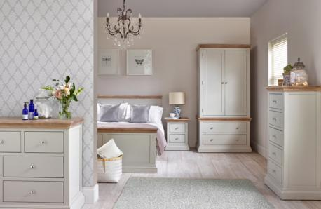 Rosa room
